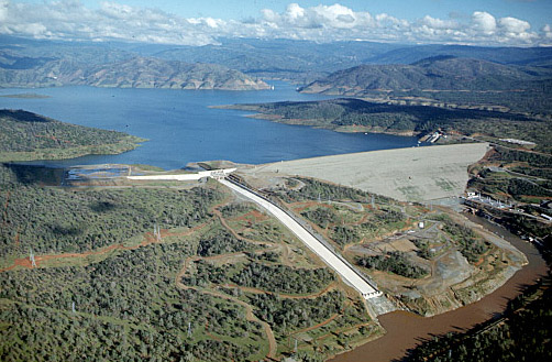 Aerial_view_of_Oroville_Dam